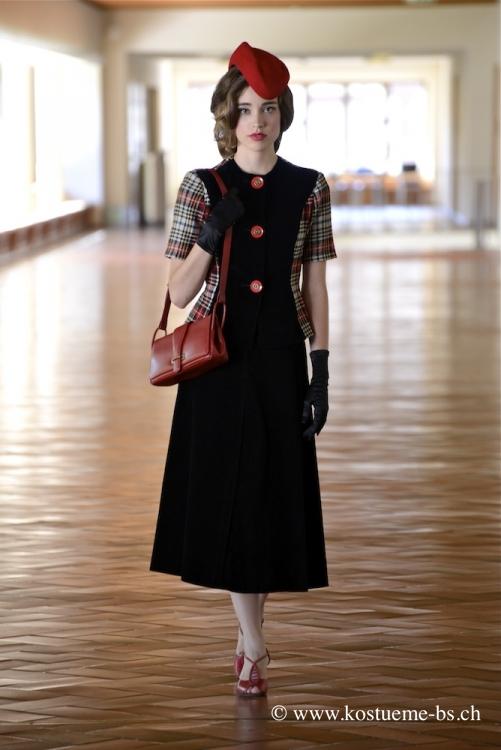 40er jahre damenkleidung mieten for Sofa 40er jahre